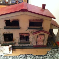 $650 extremely old 2 story dollhouse