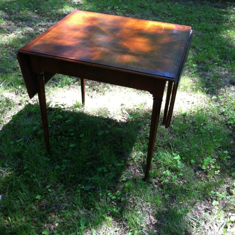Pembroke table cherry with Drawer $375