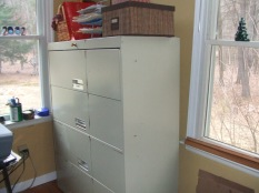 4 drawer (42 x x 51H x 18 D) $150 has lock missing key