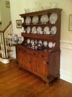Ethan Allen Hutch $450 we have table and chairs in stock $900