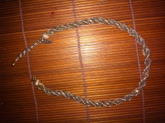 VINTAGE-SIGNED-MONET-GOLD-TONE-CHOKER-NECKLACE-16- $30