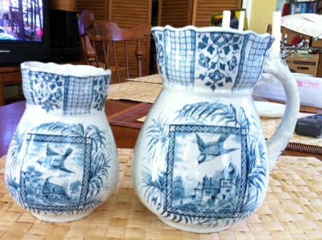 """set ofVtg 6.5"""" by 3.5"""" Pitcher & matching vase 5"""" by 3"""" HanNLEY Palm ENGLAND $49.99"""