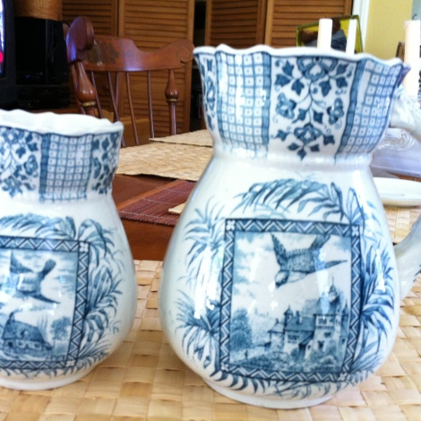 "set ofVtg 6.5"" by 3.5"" Pitcher & matching vase 5"" by 3"" HanNLEY Palm ENGLAND $49.99"