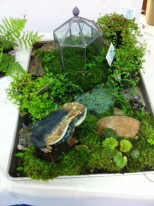 frog table stand $375